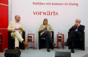 (Von links) Malte Herwig, Katharina Gerlach, Klaus von Dohnanyi